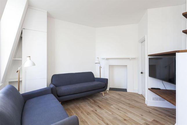 2 bed flat to rent in Gray's Inn Road, London