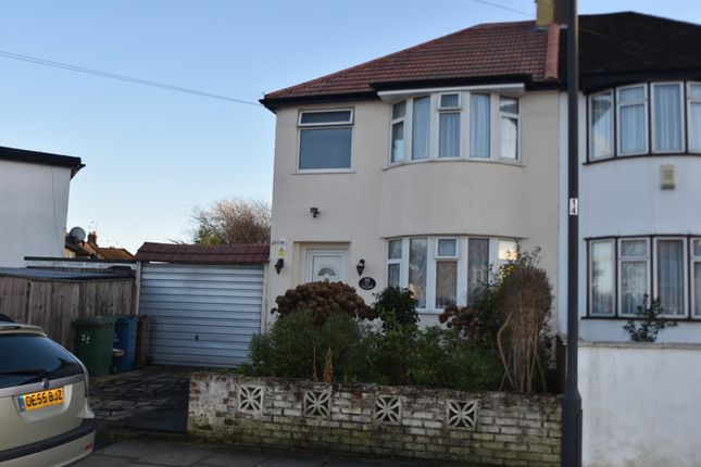 1 bed flat to rent in Arundel Drive, Harrow