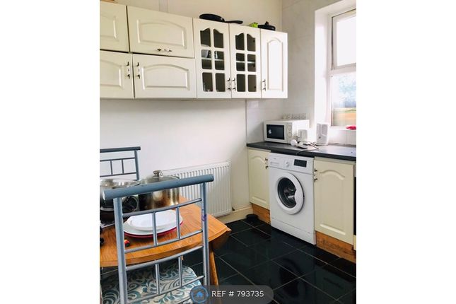 Room to rent in Stockport Road, Longsight, Manchester M12