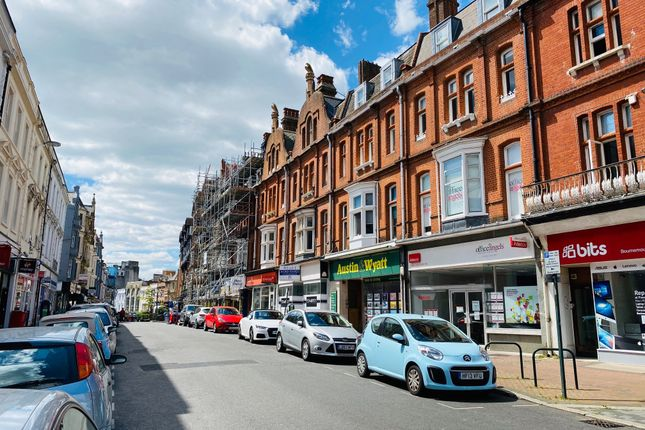 Flat to rent in Old Christchurch Road, Bournemouth