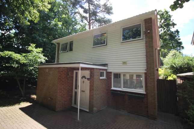 Thumbnail Detached house to rent in Kirkstone Close, Camberley