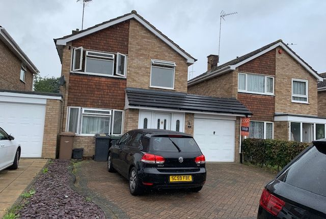 Thumbnail Semi-detached house to rent in Dalby Close, Luton