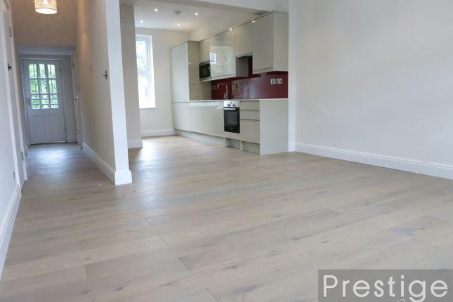 Thumbnail Flat to rent in Median Road, London