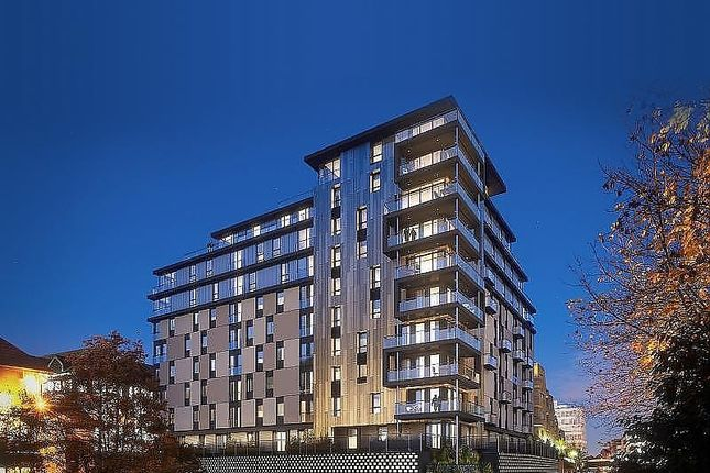 2 bed flat to rent in Kennet House, 80 Kings Road, Reading