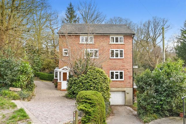 Thumbnail Detached house for sale in Leafy Grove, Keston, Kent