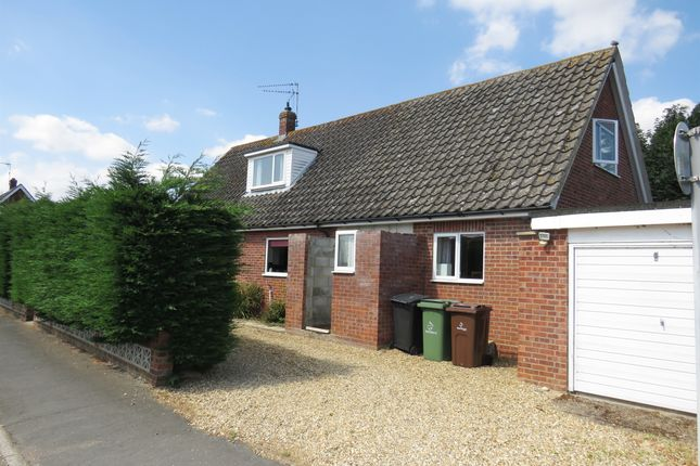 Thumbnail Bungalow for sale in Wensum Road, Lyng, Norwich