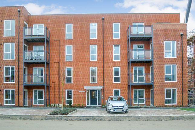 Thumbnail Flat to rent in Robertson Way, Basingstoke