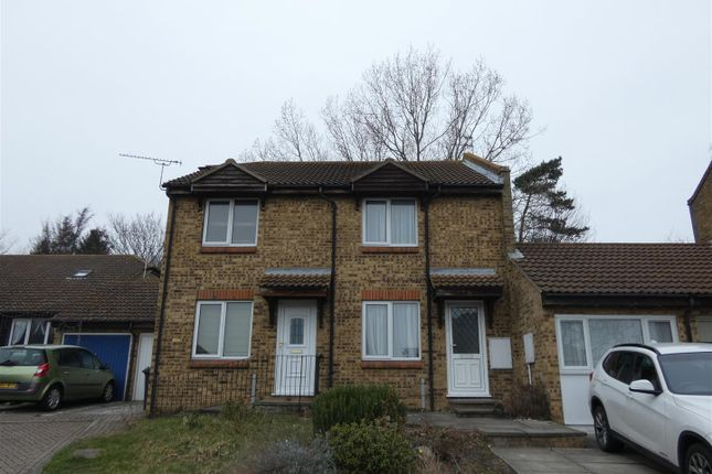 3 bed terraced house to rent in Curlinge Court, Ramsgate