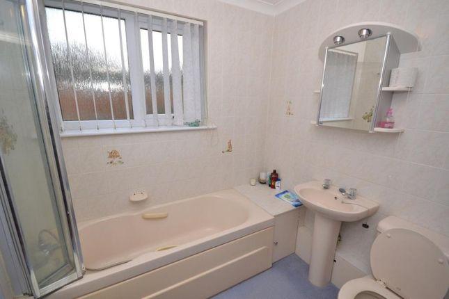 Bathroom of Palmer Court, Budleigh Salterton, Devon EX9