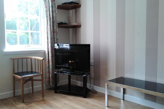 Lounge of Rose Street, Picardy Court, Aberdeen AB10