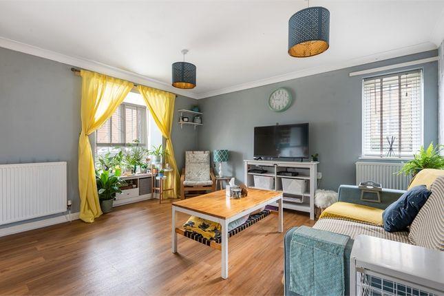 1 bed flat for sale in Bastien Lane, Kings Hill, West Malling, Kent ME19