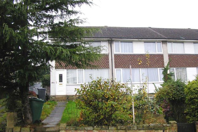Thumbnail Semi-detached house to rent in West Park Road, Roundhay, Leeds