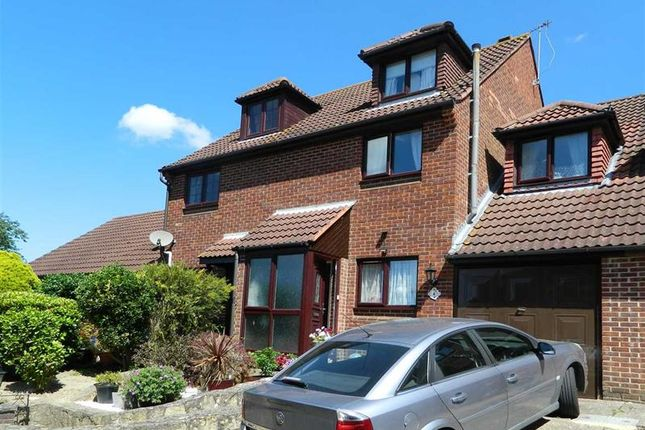 Thumbnail Terraced house for sale in Fairfield Rise, Petworth
