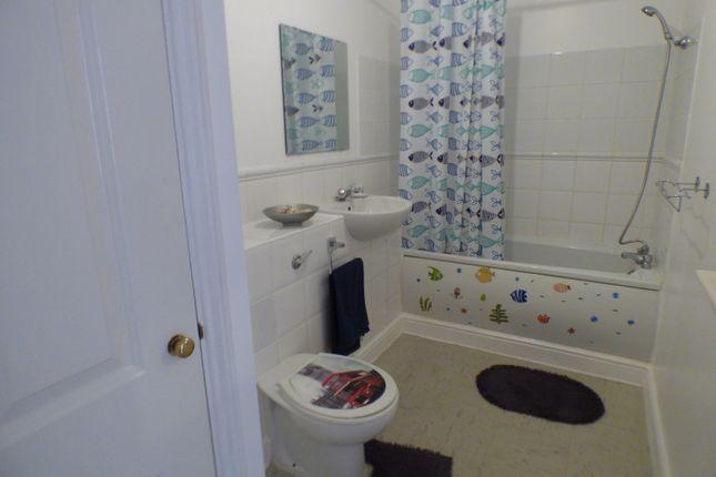 Bathroom of Fernwood Court, Pickard Close, Southgate N14