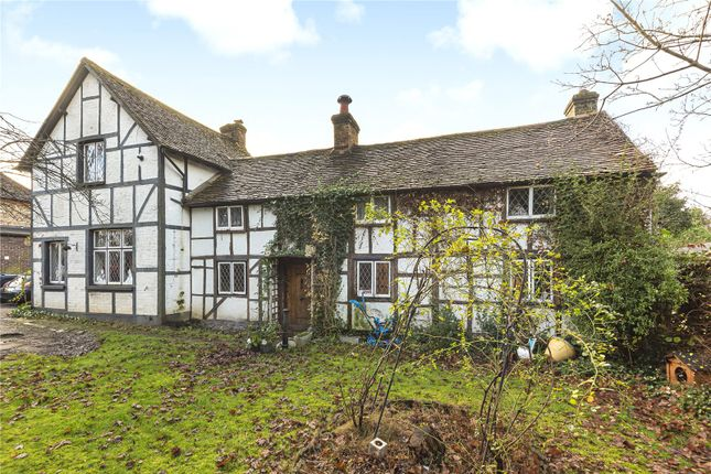 Thumbnail Detached house for sale in Coulsdon Road, Coulsdon