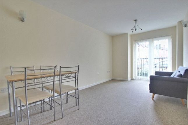 Thumbnail Flat to rent in Quarry Avenue, Hartshill, Stoke-On-Trent