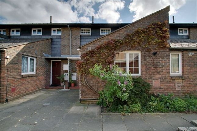 2 bed terraced house for sale in Midwood Close, London