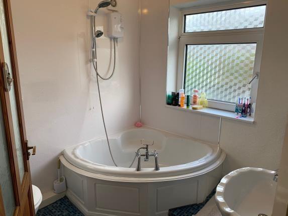 Bathroom of Bowerham Road, Lancaster, Lancashire LA1