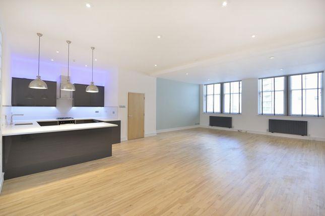 Thumbnail Flat to rent in Mallow Street, London