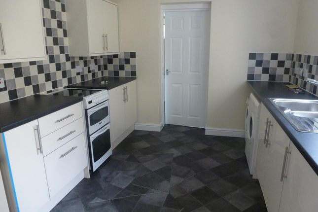 Thumbnail Property to rent in High Street, Tonyrefail, Porth