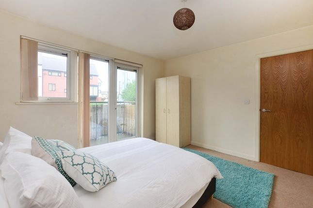 Thumbnail Flat to rent in Droylsden Wharf Road, Manchester