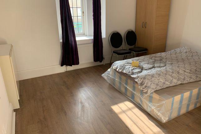 Thumbnail Duplex to rent in High Street, Harlesden