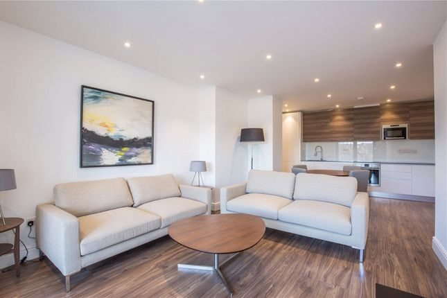 Thumbnail Flat to rent in Charlotte Court, East Barnet Road, London