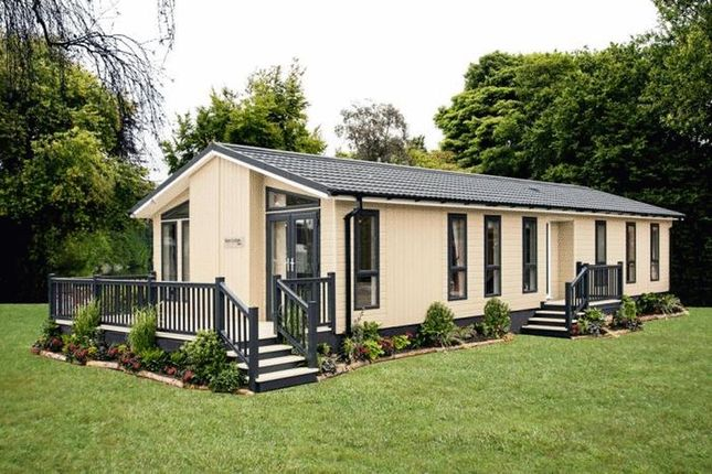 Thumbnail Lodge for sale in Barholm Road, Tallington, Stamford