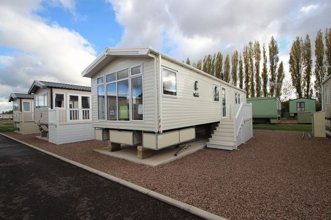Thumbnail Property for sale in Rayford Park, Stratford-Upon-Avon