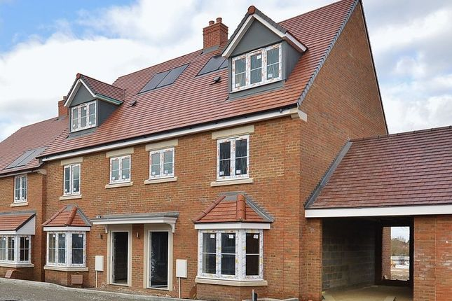 Thumbnail Town house for sale in Picts Lane, Princes Risborough
