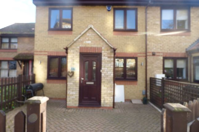 3 bed terraced house to rent in Cephas Street, London E1