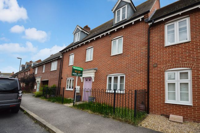 Thumbnail Town house to rent in Prince Rupert Drive, Buckingham Park, Aylesbury, Bucks