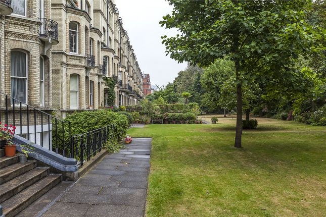 3 bed maisonette for sale in Elm Park Gardens, London