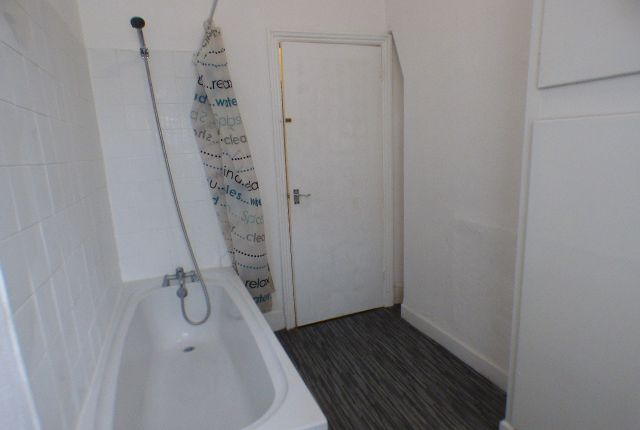 Thumbnail Terraced house to rent in Elm Street, Burnley