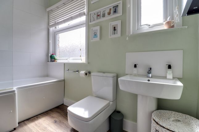 Bathroom of Westbourne Grove, Westcliff-On-Sea SS0