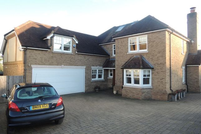 Farmhouse to rent in Parkgate Crescent, Barnet