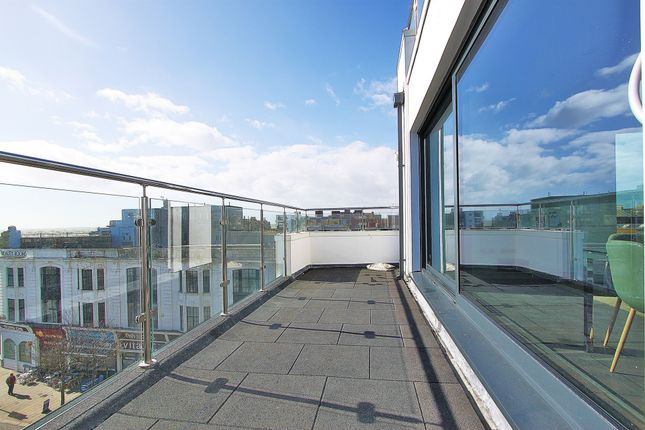 Thumbnail Flat to rent in South Street, Worthing