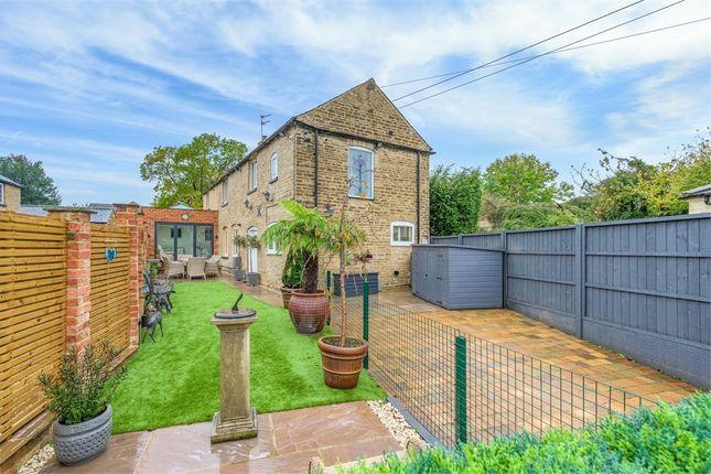 3 bed barn conversion for sale in Top Lane, Bisbrooke, Oakham, Rutland LE15