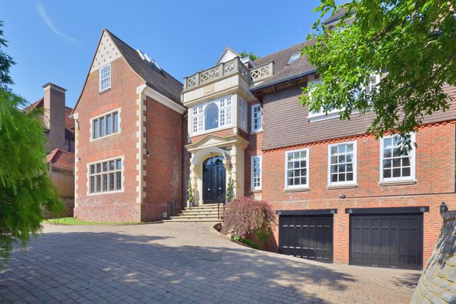 Thumbnail Detached house to rent in Courtenay Avenue, Kenwood