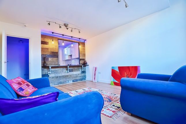 Thumbnail Flat to rent in Northwold Road, London