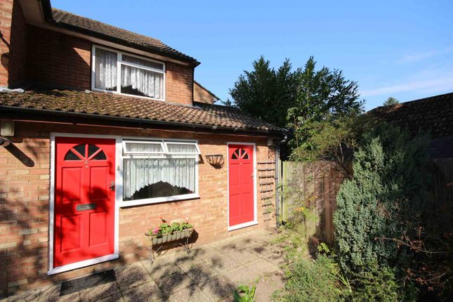 Thumbnail Maisonette to rent in Drummond Close, Bracknell
