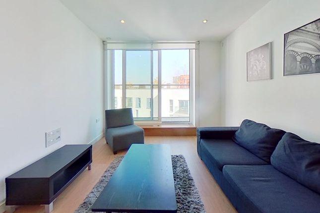 Thumbnail Flat to rent in Saffron Central Square, Croydon, Surrey