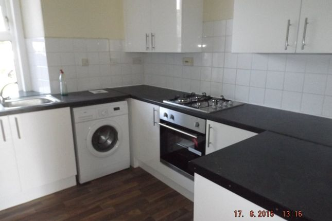 2 bed flat to rent in Blackness Road, Dundee