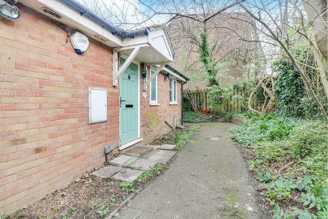 Thumbnail Bungalow for sale in Myrna Close, Colliers Wood