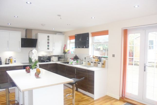 Thumbnail Terraced house for sale in Sutherland Avenue, Welling, London