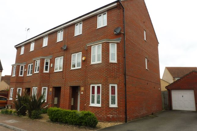 Thumbnail Town house for sale in Lockhart Avenue, Oxley Park, Milton Keynes