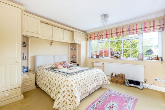 Picture No. 12 of Sandisplatt Road, Maidenhead, Berkshire SL6
