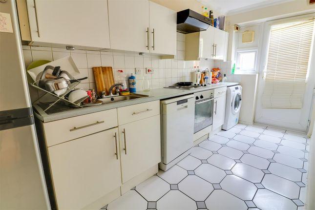 Kitchen of Bankfoot, Badgers Dene, Grays RM17