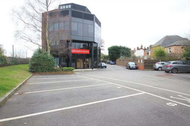 Thumbnail Flat for sale in 36 Ridgmont Road, St Albans, Hertfordshire