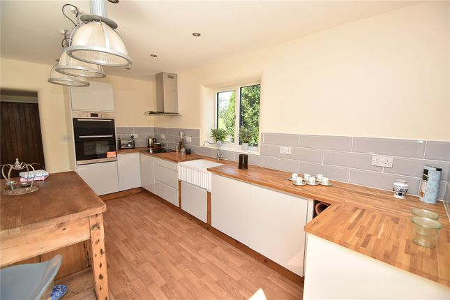 Kitchen of Worcester Road, Hartlebury, Kidderminster, Worcestershire DY11
